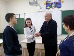 Команда учнів НВК № 4 взяла участь у обласному турнірі з філософїї і релігієзнавства